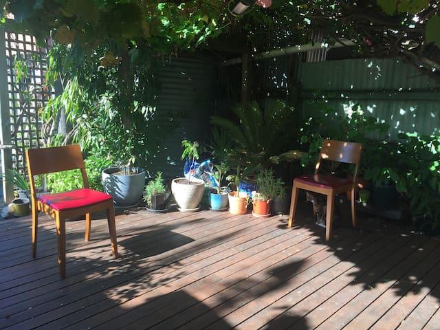 Quiet and comfy inner city room near CBD. - Kensington - Rumah