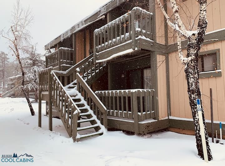 Boulder Bay Lakeside Suite - FREE Ski/Board Rental!