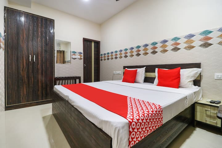 OYO  Suit1 BR Lavish Stay In Jalandhar