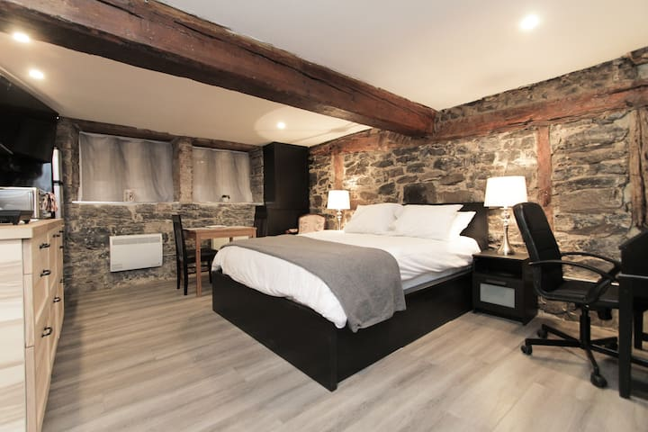 Charming Studio at the Heart of Old Quebec