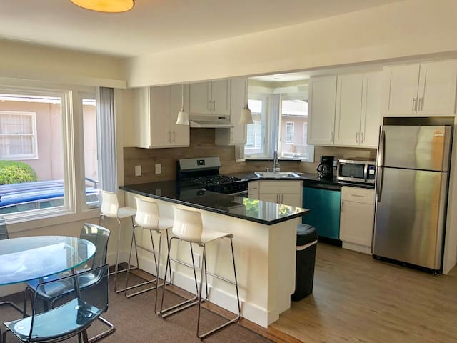 Prime location beauty 2br/2ba Downtown San Mateo