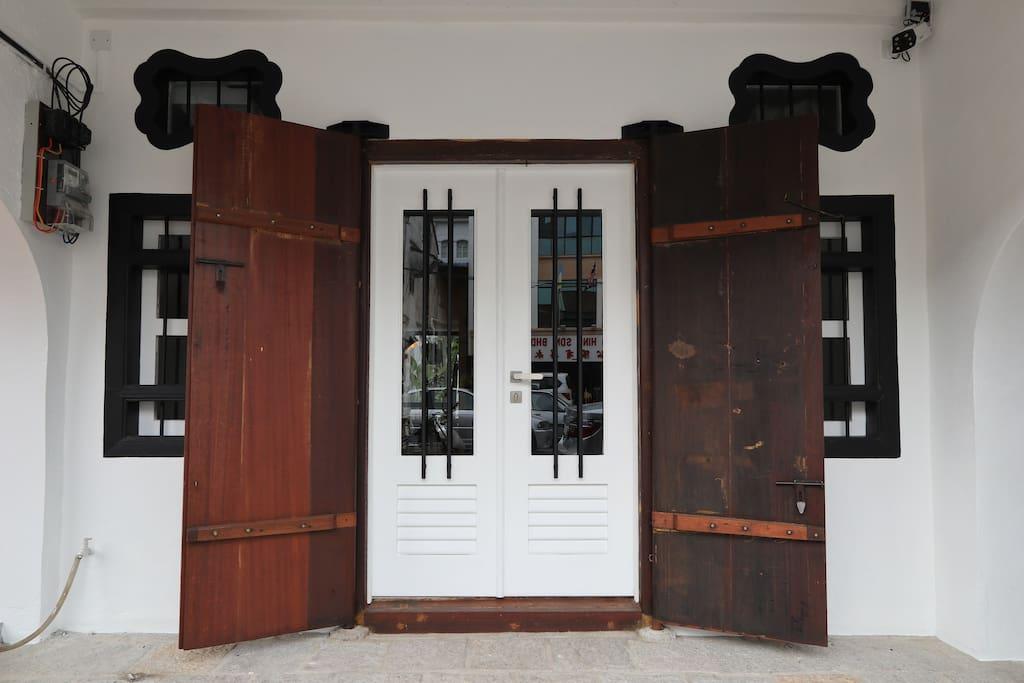 Main Door with Smart Lock