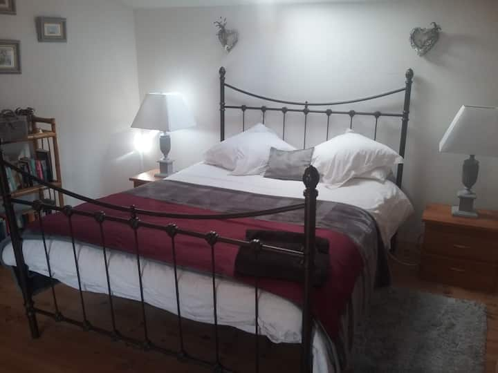Beautiful Bedroom with private en suite facilities