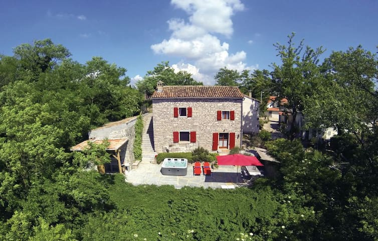 Casa Monte**** - secret treasure near Motovun - Motovun - House