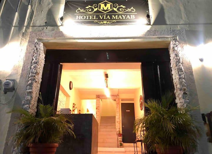 Hotel Via Mayab® LABNA DOWNTOWN: A/C+WiFi+TV+3'🛏+🅿️