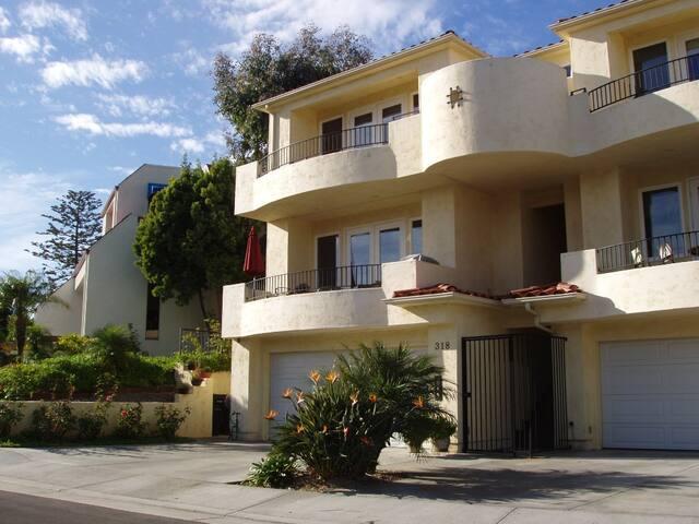 """""""Casa on Cazador"""" Classic California Beach Home - San Clemente - House"""