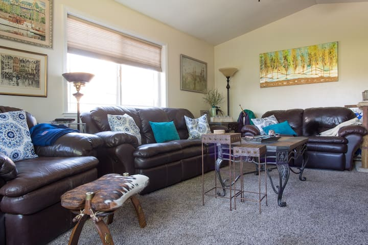 Oroville 2 private bedrooms available