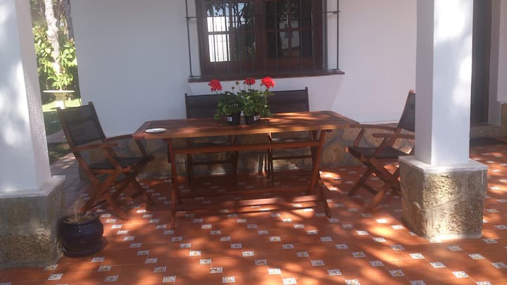 Chalet, Roche Residencial. VFT/CA/02961