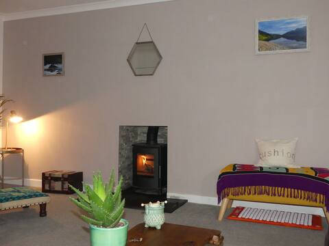 Modern room in a cosy Perthshire home, near A9.