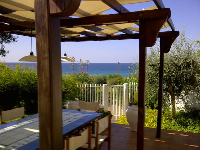 Wonderful villa by the sea in the heart of Puglia - Taranto - Casa adossada