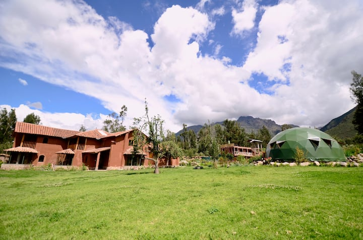 Cozy & spacious room with views in Eco Lodge Farm