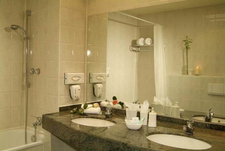 Schönes 29 qm Zimmer in Lechhausen (Quality Hotel)