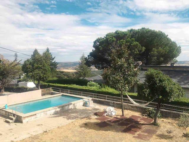 Chalet zona residencial en la sierra de Madrid