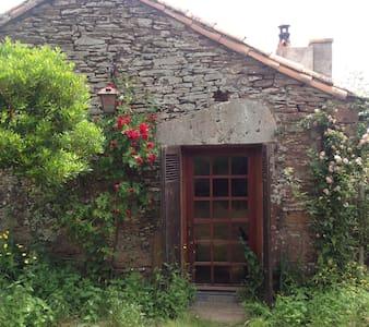 Gîte pour amoureux du vitrail Sud Aveyron - Loft
