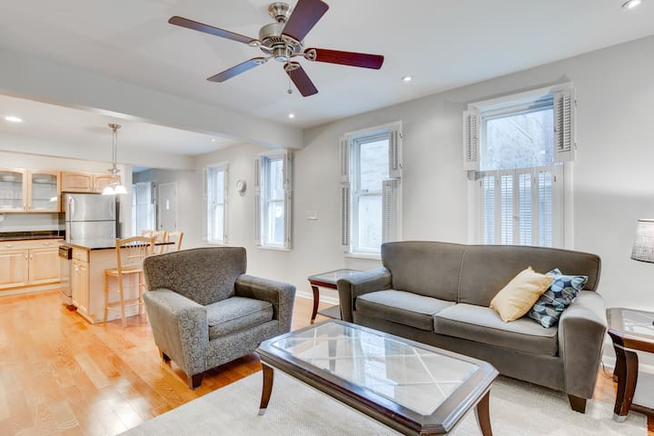 Near the Blue Line! 3 Bedrooms in River West