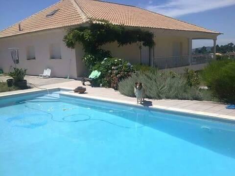 Lejlighed på Amarante med swimmingpool