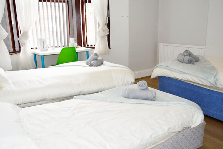 Modern Room in Kensington Guest House Liverpool
