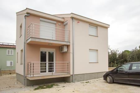 36892 - H(6+4) - Zadar riviera - Zaton (Zadar) - Zaton