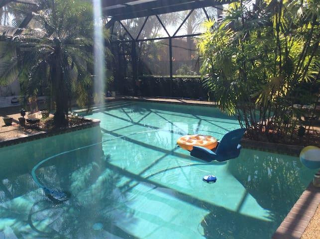 Gorgeous Miami Pool Home (G)