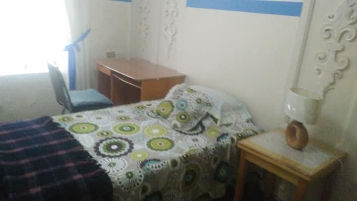 habitación céntrica amueblada