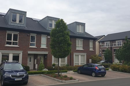Spacious 3 bed house in South Dublin parkland