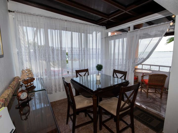 Ocean Front Luxury Cottage