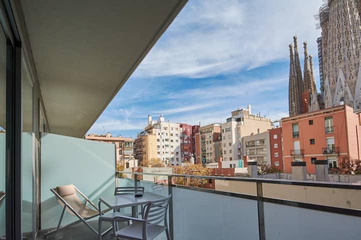 2-bedroom apartment- Amazing Sagrada Familia views