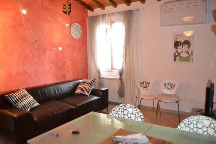 FREE PARKING, close to the center - Firenze - House