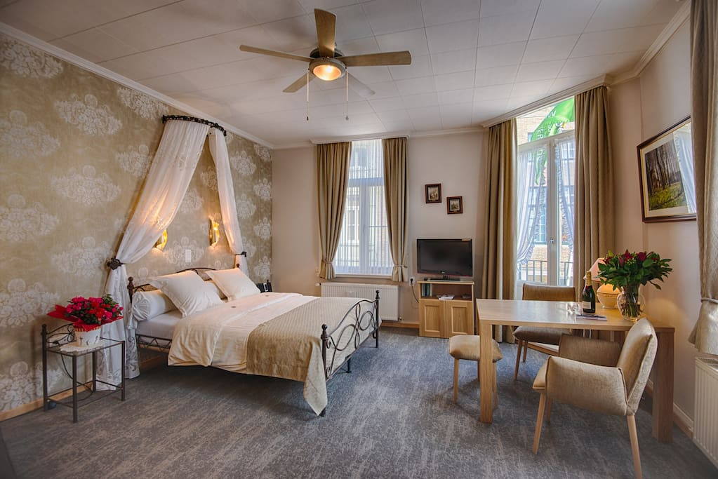Romantic stay in our spacious Balcony suite (35m2)