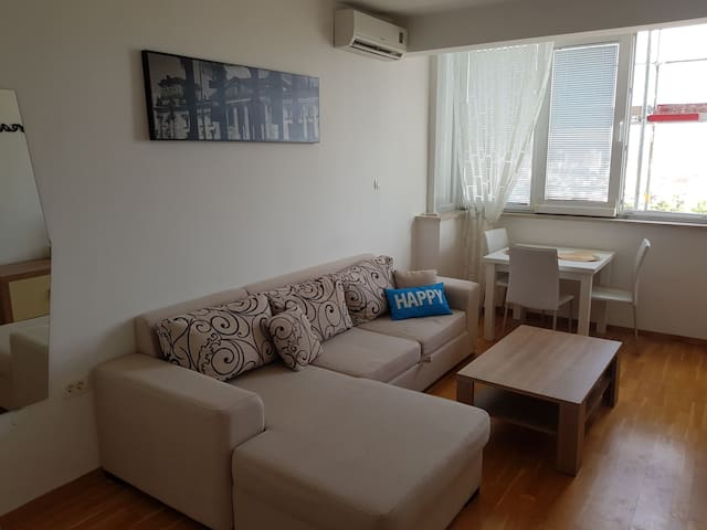 Studio for 2 near OldTown; Sea view; Wifi; Parking