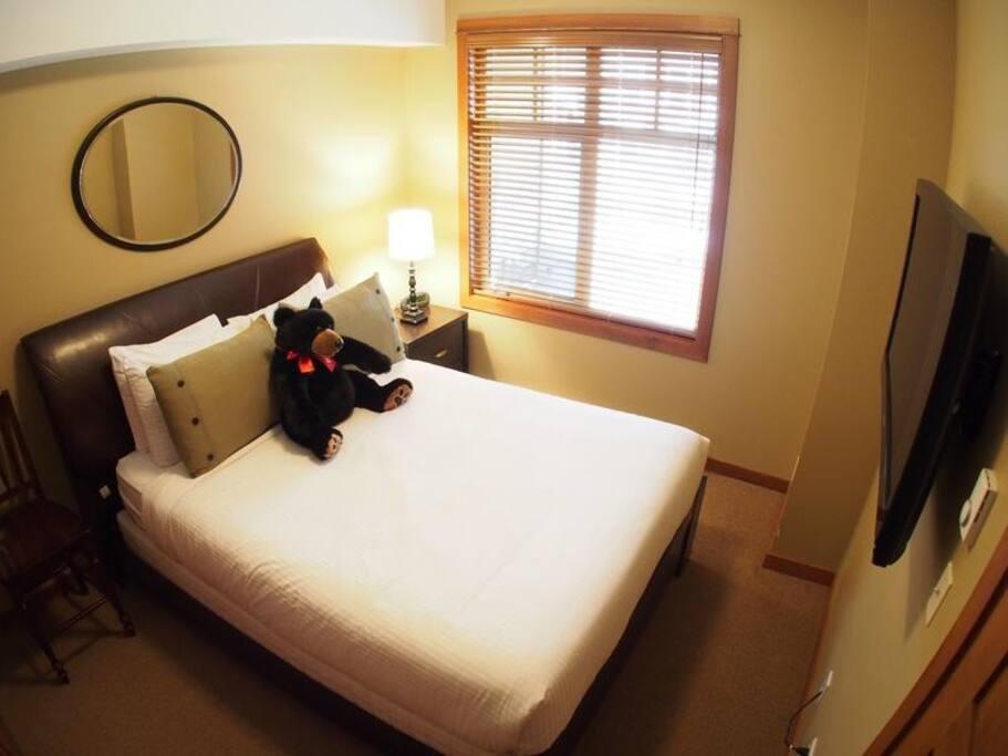 SX62MasterBedroom