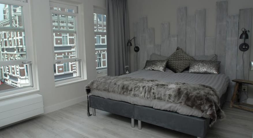 boutique kamer midden in het centrum! - Breda - Bed & Breakfast