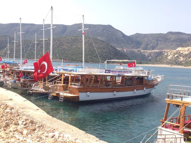 Kekovateknesi - Antalya - Boat
