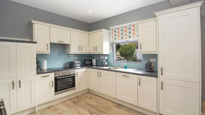 Family friendly home in popular Salthill. Free Parking. 10 mins walk to the beach.