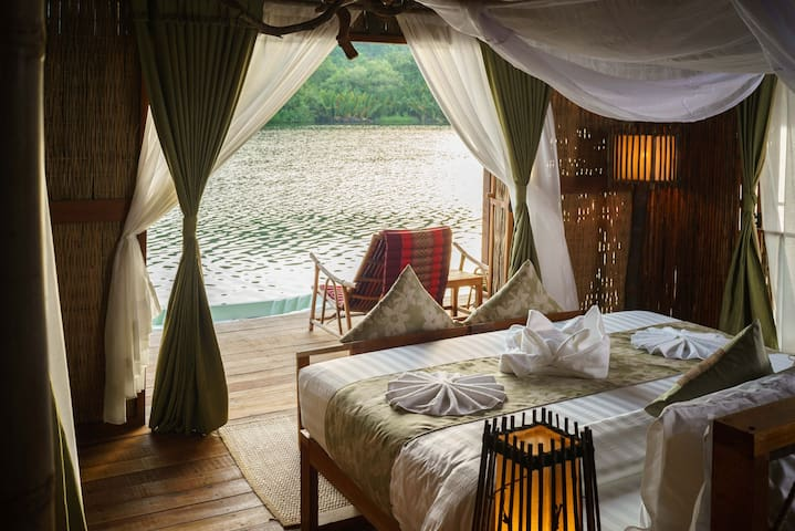 Romantic Double Bed Floating Villa