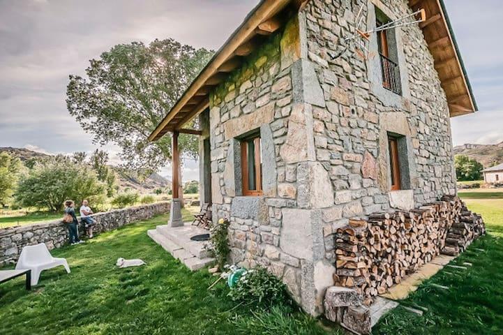 Turismo rural en Babia - San Emiliano - Apartamento
