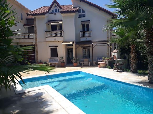 Maison de détente avec piscine