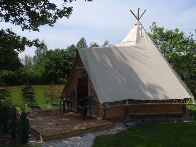 Cabane apache de la louvière