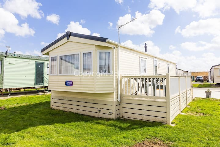 6 berth caravan f in Alberta Holiday Park, Whitstable,kent ref 24058