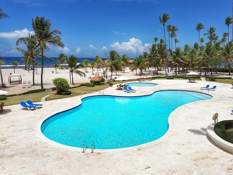 Beach and Pool front Apartment in Juan Dolio