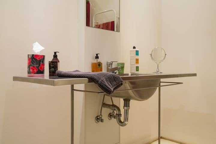 Guest bathroom with L'Occitane products to spoil yourself.