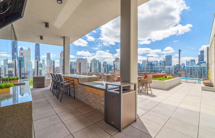 ORLEANS STREET HIGH-END EXECUTIVE 1 BED w/POOL