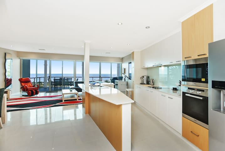 Gallery 16: Luxury Penthouse Apartment