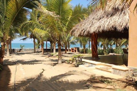 """Beach House """"Bajo el Guamilule"""""""