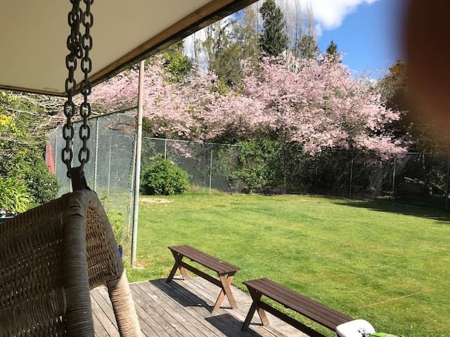 Blossom Cottage with your private croquet court