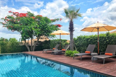 Luxury retreat of 3BR villa with pool + maid/cook