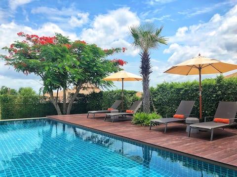 Retirada de luxe de la vila 3BR amb piscina + criada/cuiner