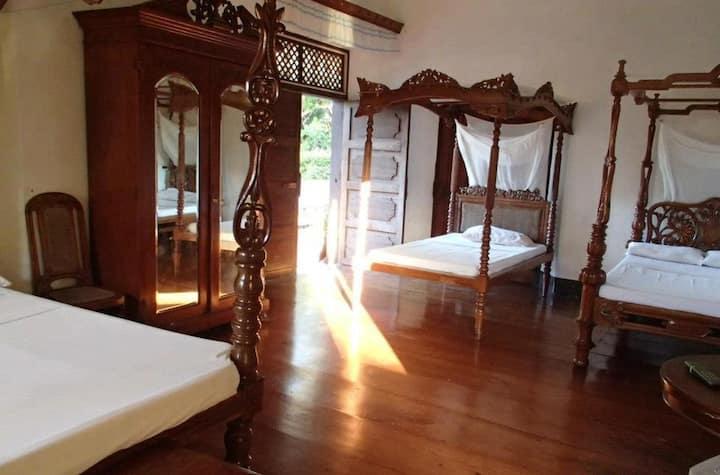 ★Best-Preserved House★ Room for 4 | Near Crisologo