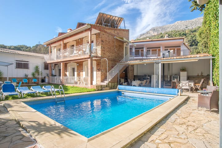 """Beautiful Apartment """"Casa Rural Nacimiento 1"""" with Pool, Garden, Wi-Fi & Airconditioning"""