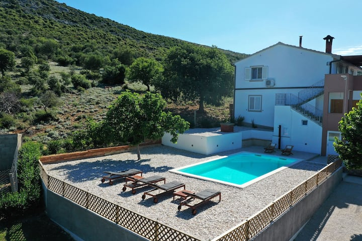 Three Bedroom Apartment, in the countryside in Pakostane, Outdoor pool